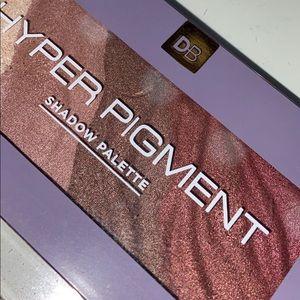 Designer brands, hyper pigment shadow palette